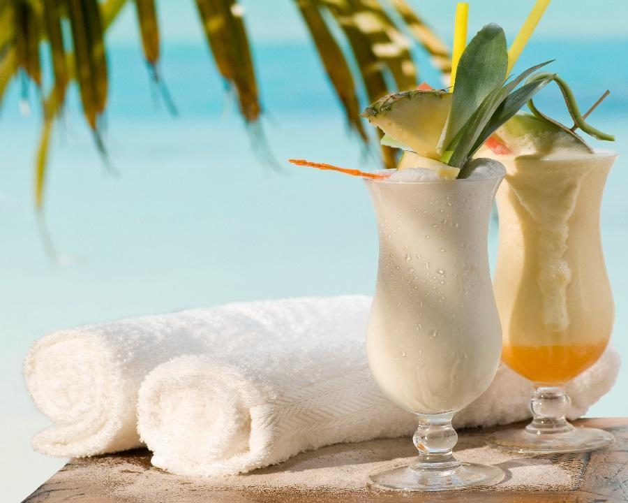 Безалкогольный коктейль - тропический коктейль