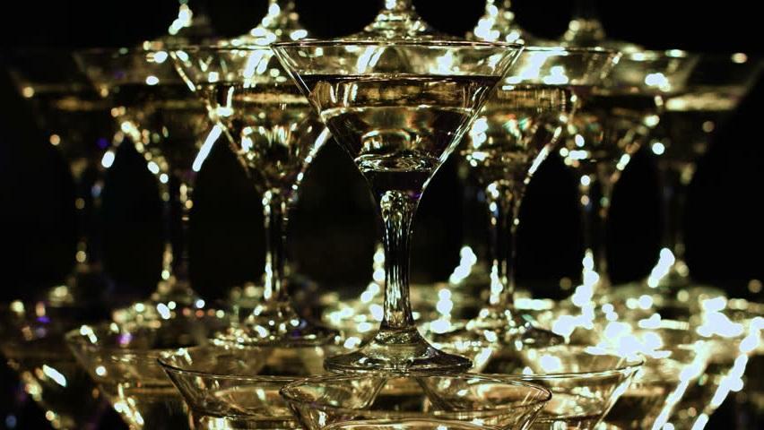 Пирамида из бокалов шампанского своими руками